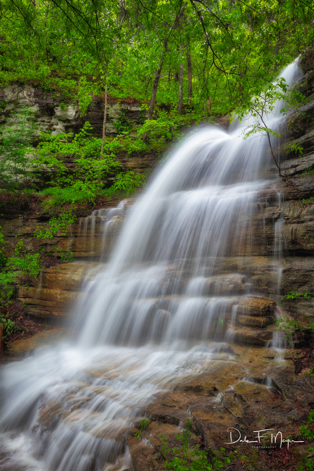 Liles Falls is a beautiful 41' Fall in theBuffalo River Region of Northwest Arkansas. I believe that all of Gods beauty...
